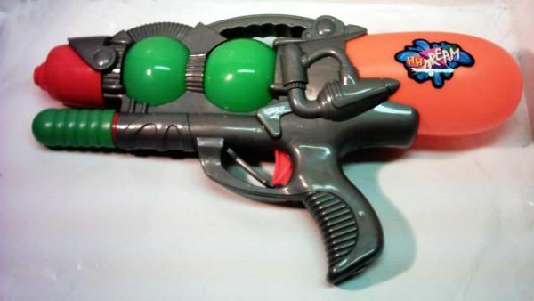 Wasserpistole mit Pump-funktion orange/grün