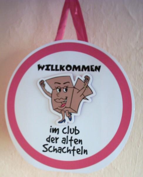"""Geschenktüte + Schild """"Willkommen im Club der alten Schachteln"""""""
